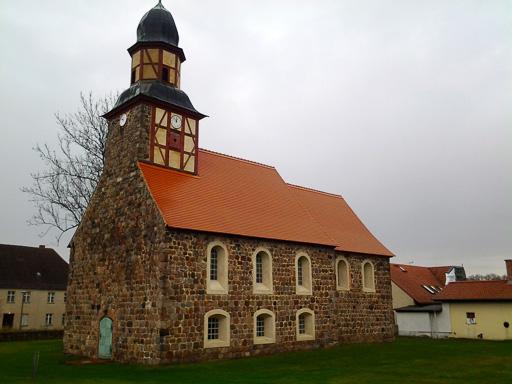 Dorfkirche Raben von Südwest aufgenommen