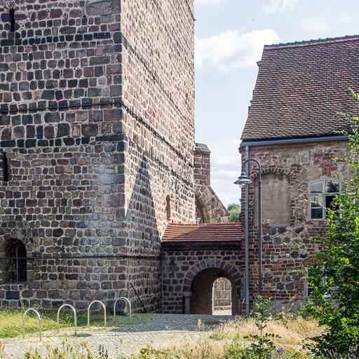 Westturm mit Übergang zum Klostergebäude
