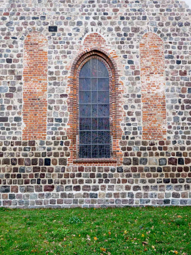 Stadtkirche Altlandsberg Ostfassade Romanik