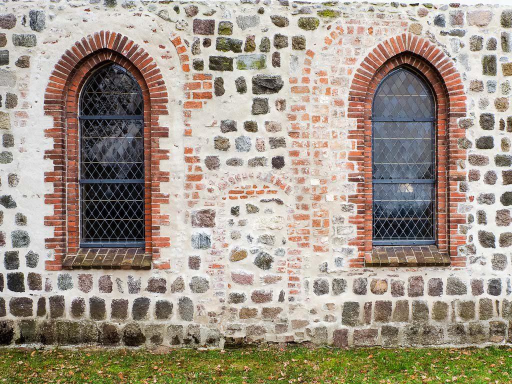 Stadtkirche Altlandsberg Romanik Portal Seitenschiff