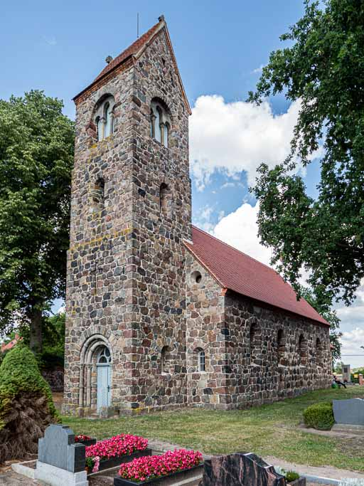 Dorfkirche Boecke Neoromanischer Westturm