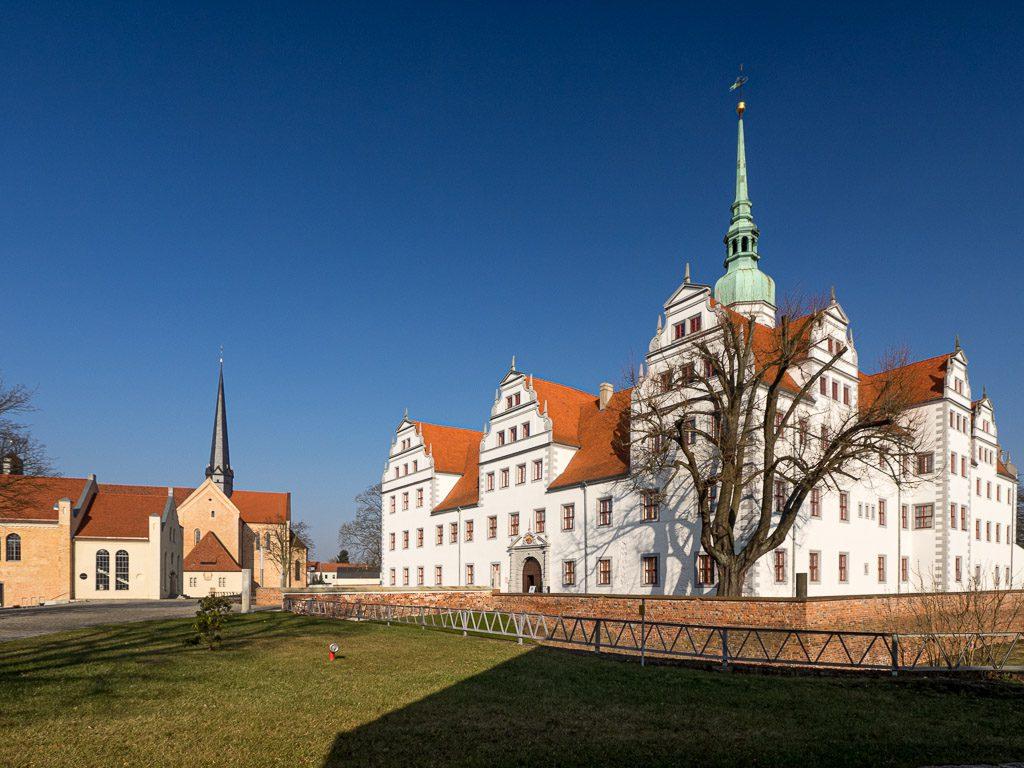 Schloss Doberlug, Umbau des ehemaligen Abtshauses des Klosters