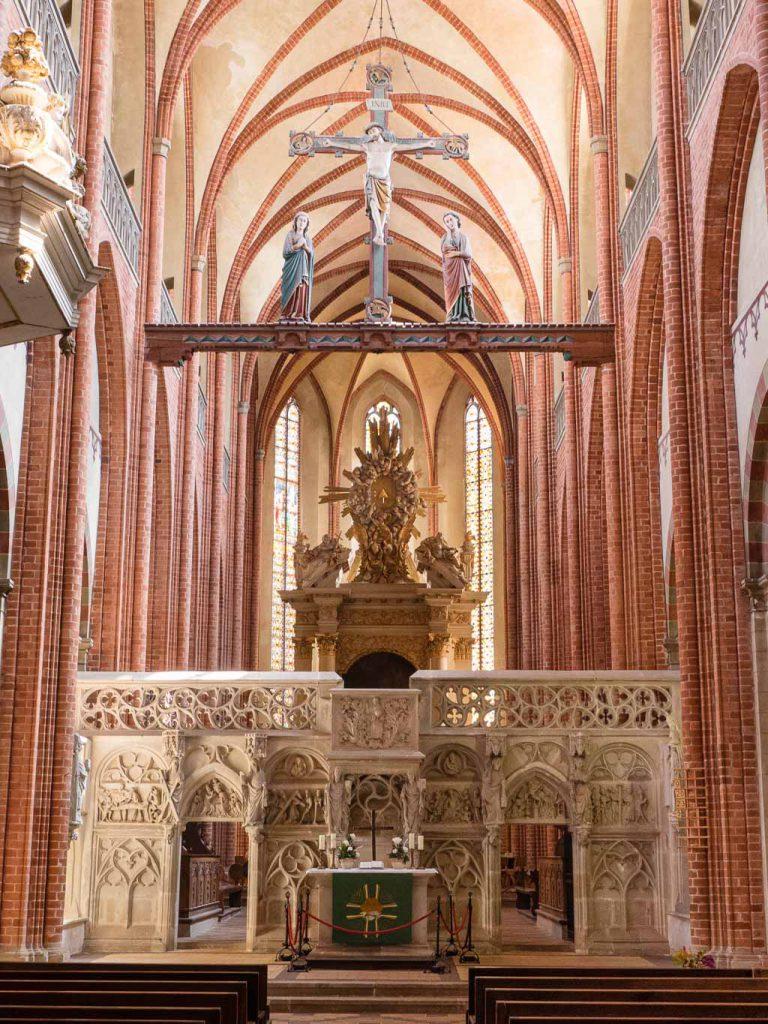 Dom St. Marien Havelberg. Lettner, Triumphkreuz und Hochaltar