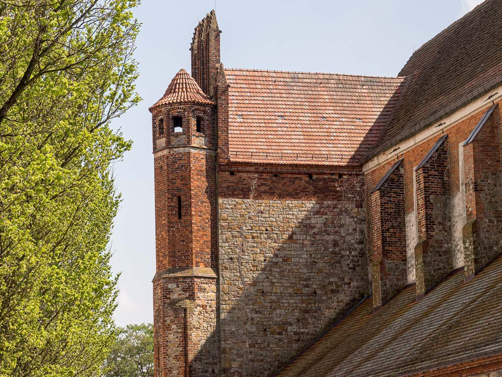 Dom St. Marien zu Havelberg Treppenturm polygonal Romanik Bruchsteine Quarzit Backstein