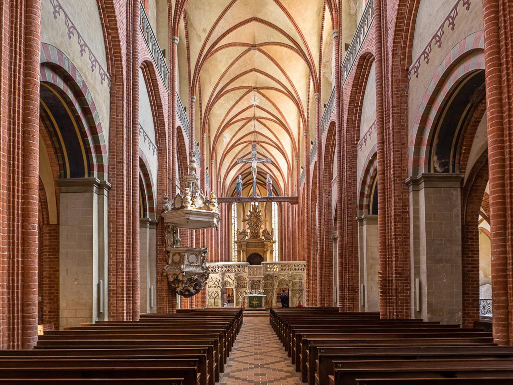 Dom St. Marien zu Havelberg Langschiff Innenraum Romanik