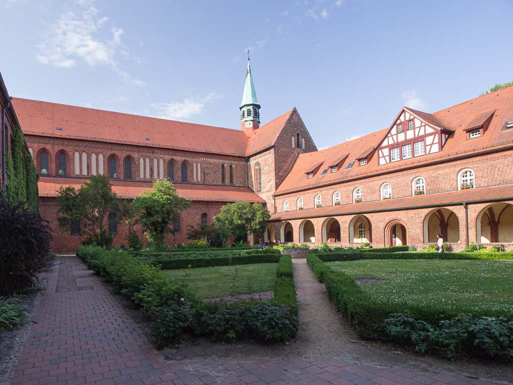 Klosterkirche und Kreuzgang des Kapitelsaals