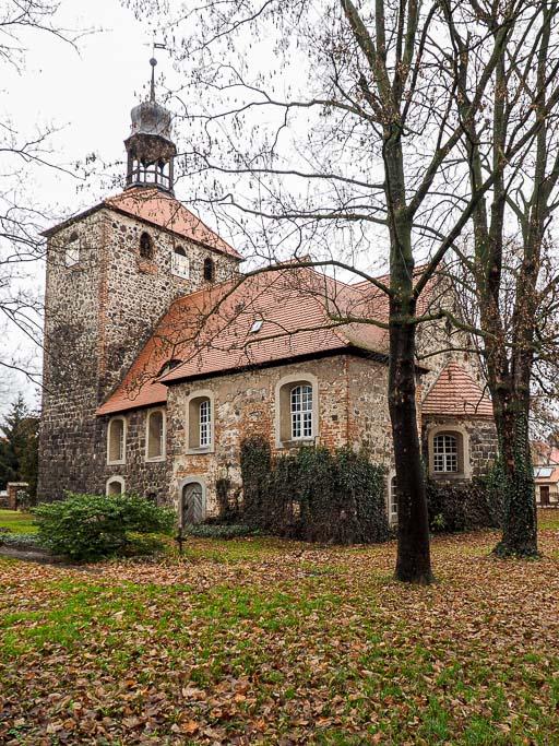 Dorfkirche Groß Machnow Kirche von Südost mit Patronatsloge