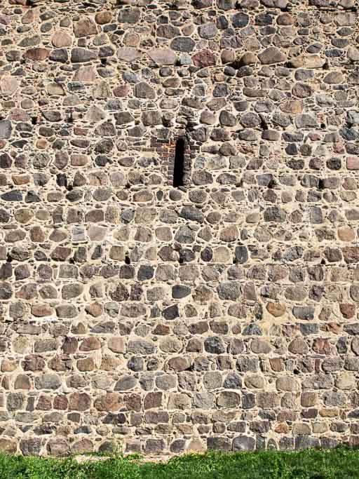 Änderung des Gefüges oberhalb der Maueröffnung