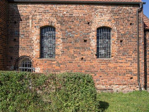 Dorfkirche Pechüle Chor Südseite mit Priesterpforte