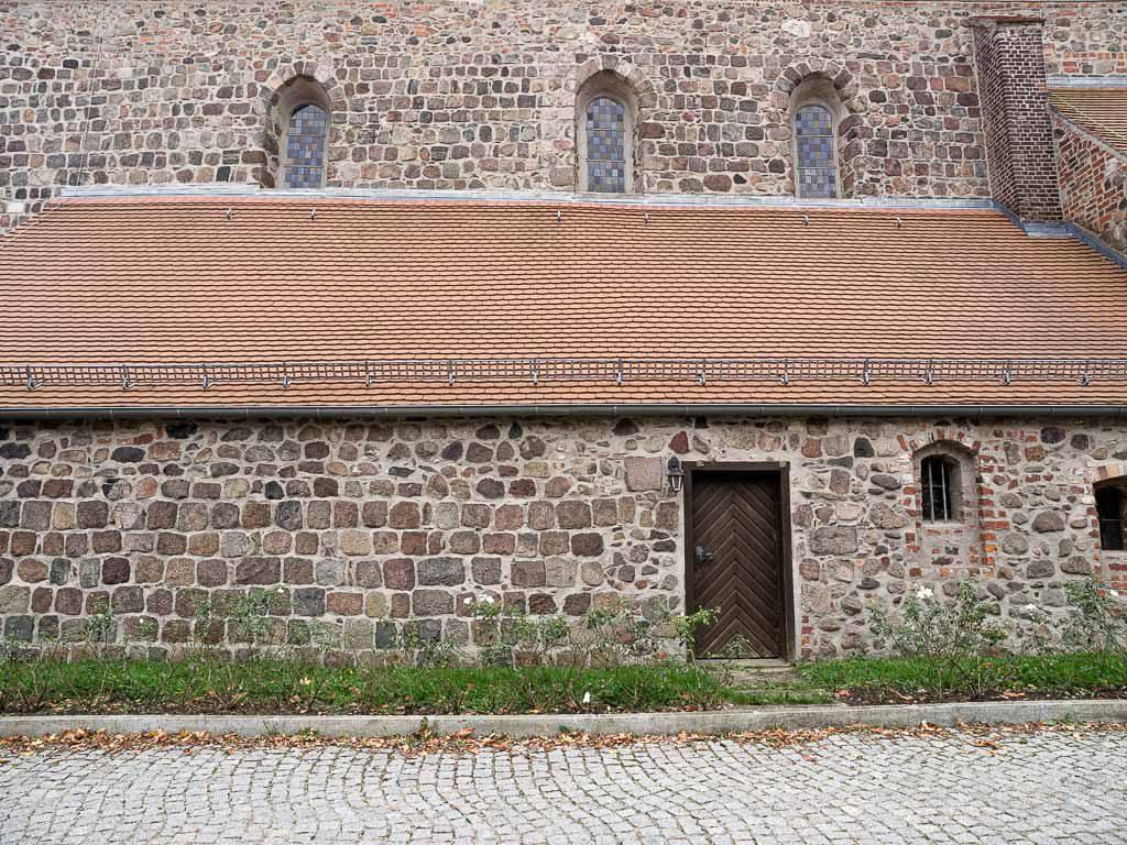 Stadtpfarrkirche St. Marien Strausberg Nördliche Chorwand und vorgesetzte Sakristei.