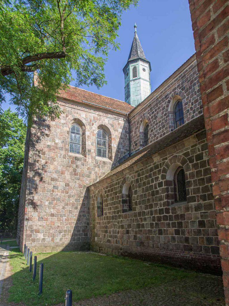 Zinna Klosterkirche: Hauptschiff und Querschiff Nordseite.