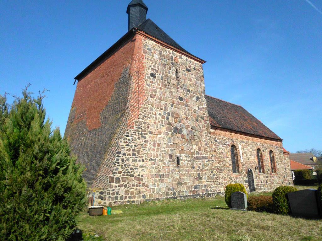 Dorfkirche Bergholz. Ansicht von Südwest.