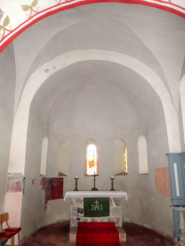 Chorturmkirche Grünow Apsis mit Altar