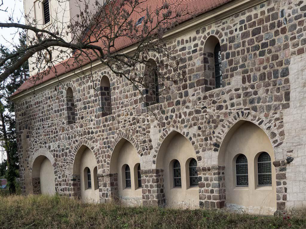 Kirche Hohenfinow Arkaden zum abgerissenen Seitenschiff