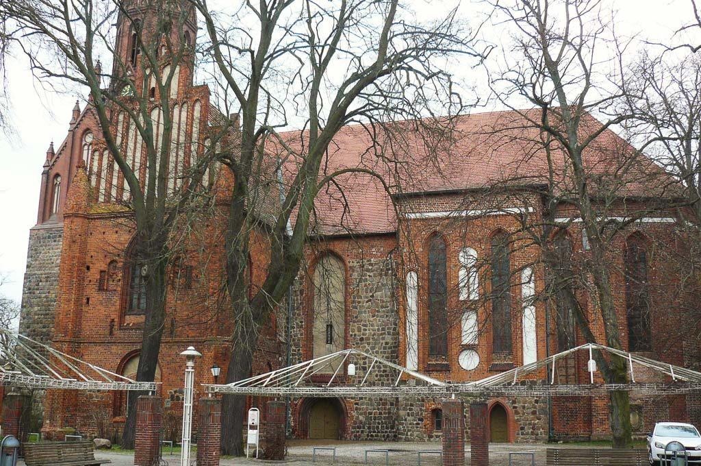 Nikolaikirche Pritzwalk Südfassade, Hauptschiff und Querschiff.
