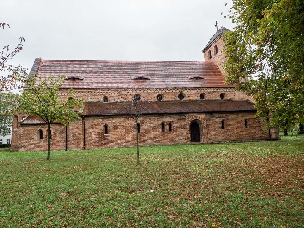 St. Nikolaikirche. Ansicht romanischen Basilika von Norden