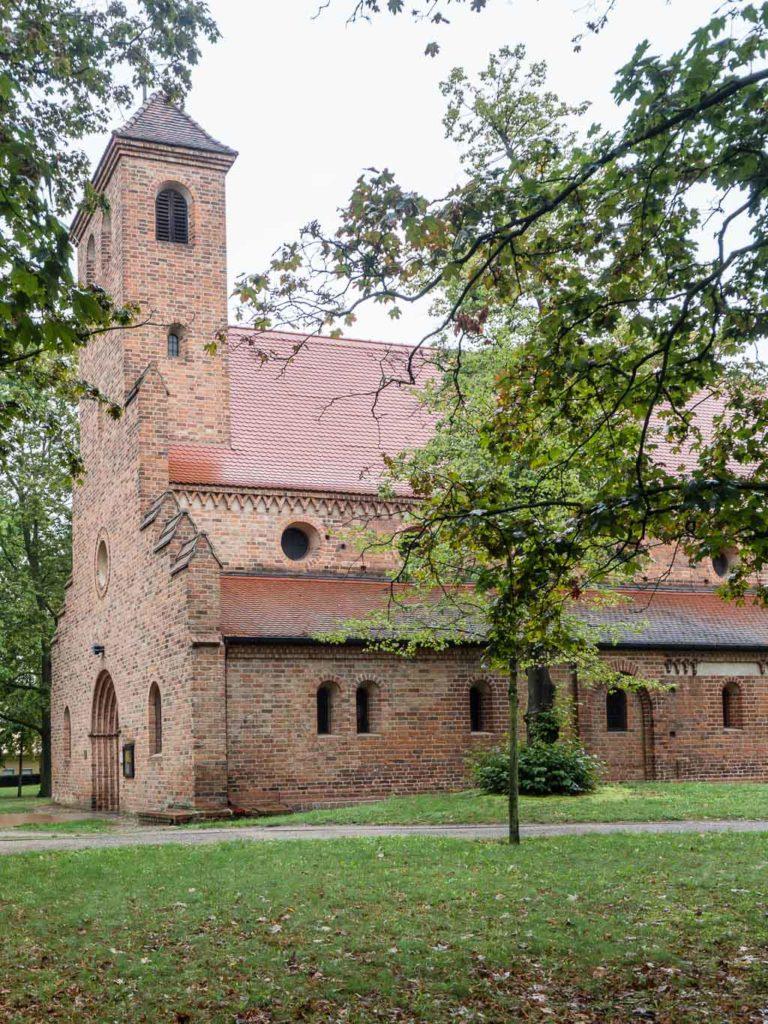 St. Nikolaikirche Ansicht von Südwest.