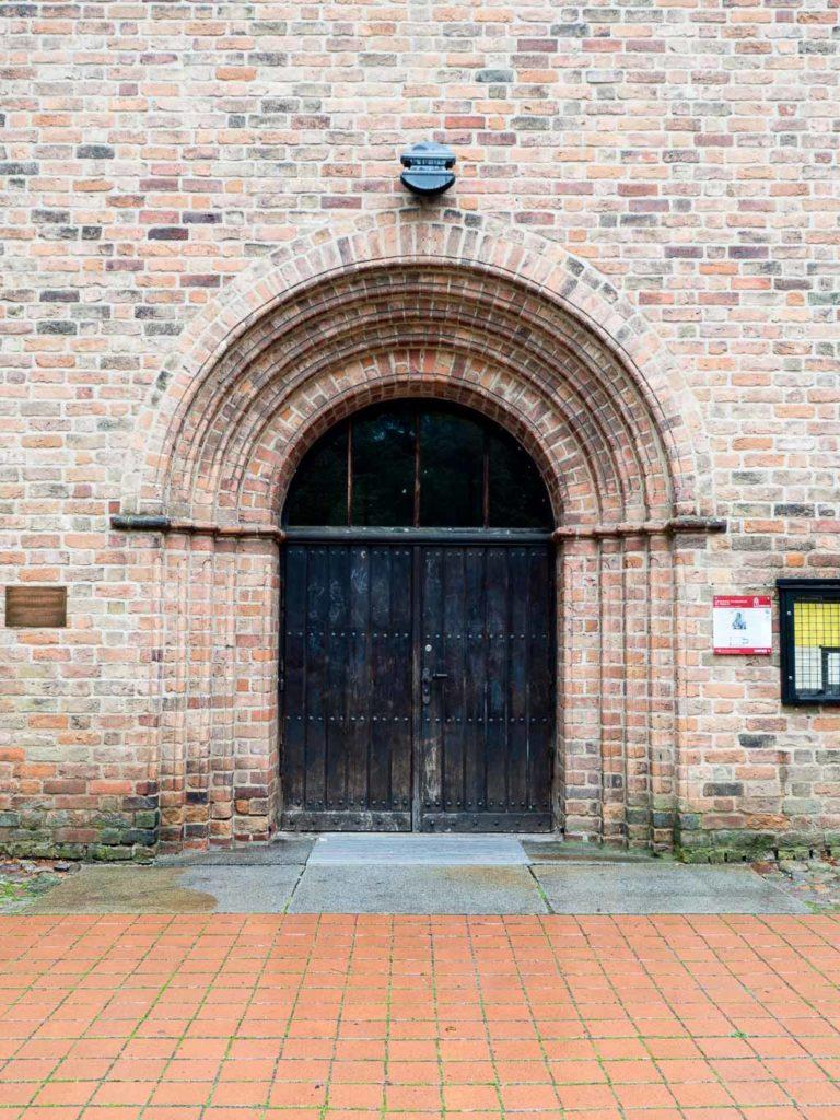 St. Nikolaikirche romanisches Westportal