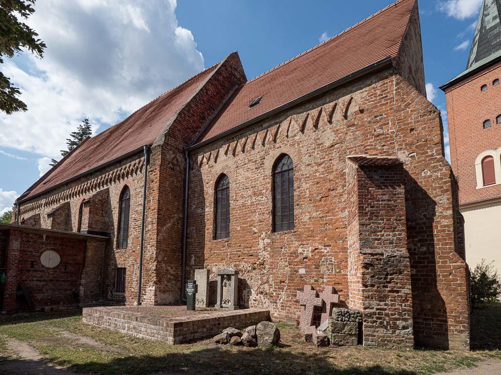 Pfarrkirche Plaue Staffelung Chor und Schiff, Südseite