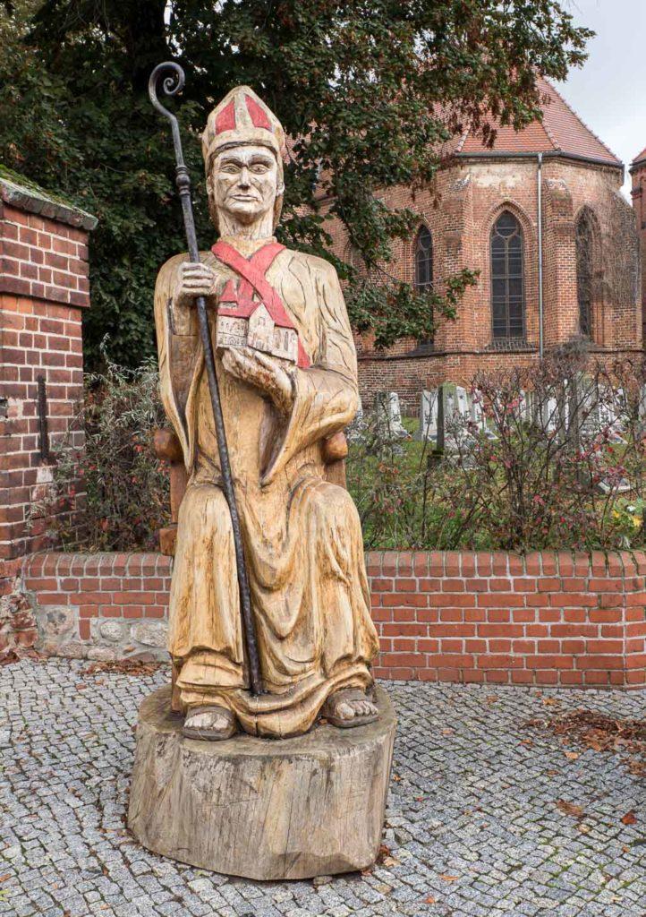 Liebfrauenkirche Jüterbog Skulptur des Erzbischofs Wichmann