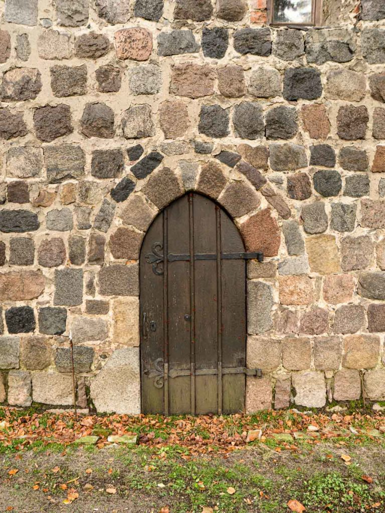 Jüterbog St. Jakobi Neumarkt Portal Schiff Südseite