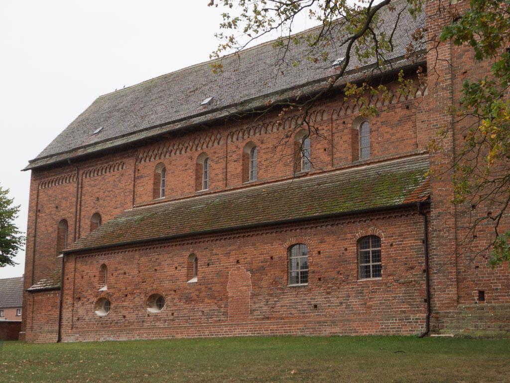 Dorfkirche Schönhausen Schiff, Seitenschiff und Chor Nordseite