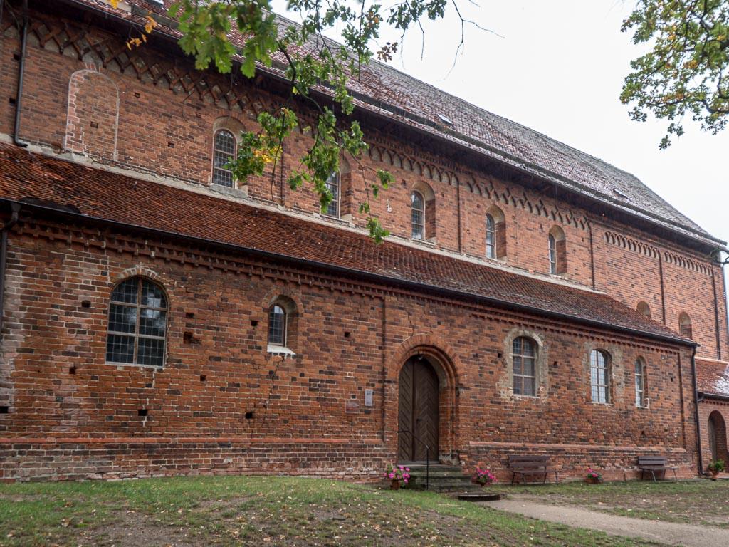 Dorfkirche Schönhausen Schiff, Seitenschiff und Chor Südseite