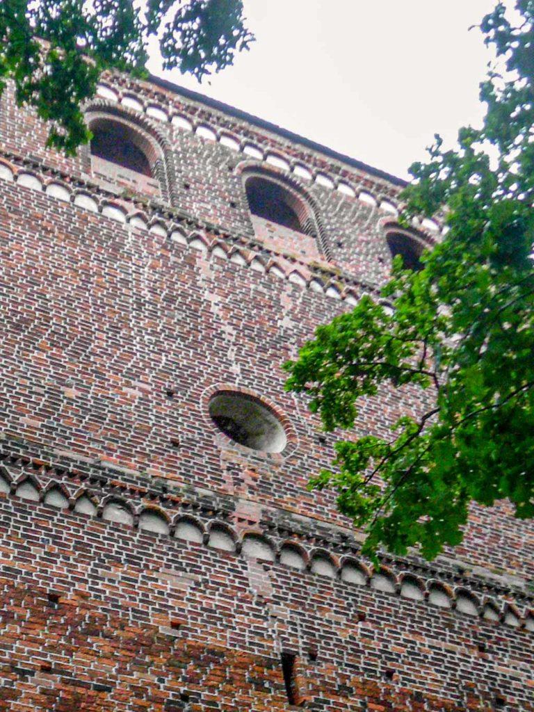 Dorfkirche Schönhausen Klangarkaden, Friese und Okulus