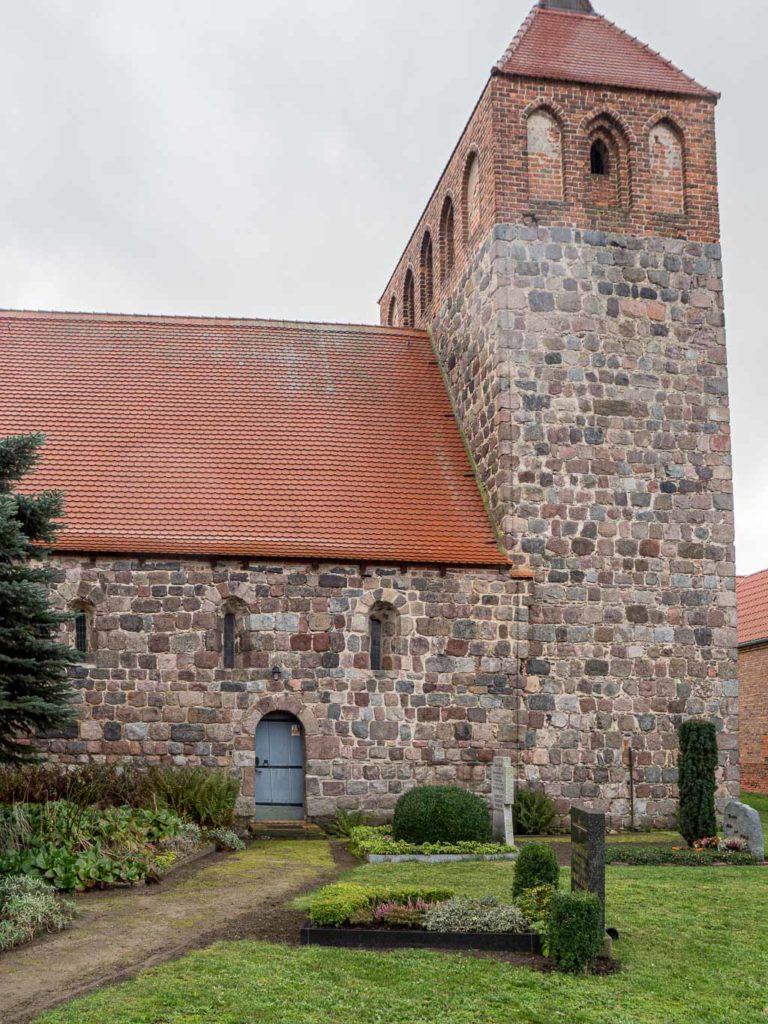 Dorfkirche Werder Jüterbog Turm und Schiff Nordseite