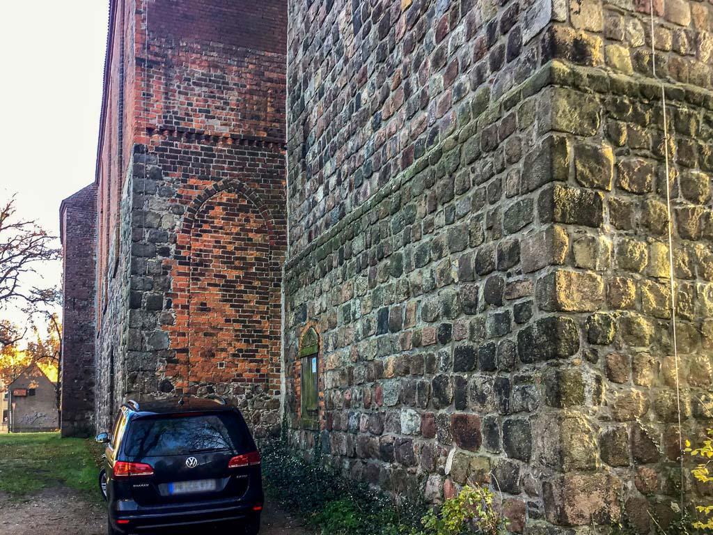 Staffelung von Nordwest mit eingezogenem Turm