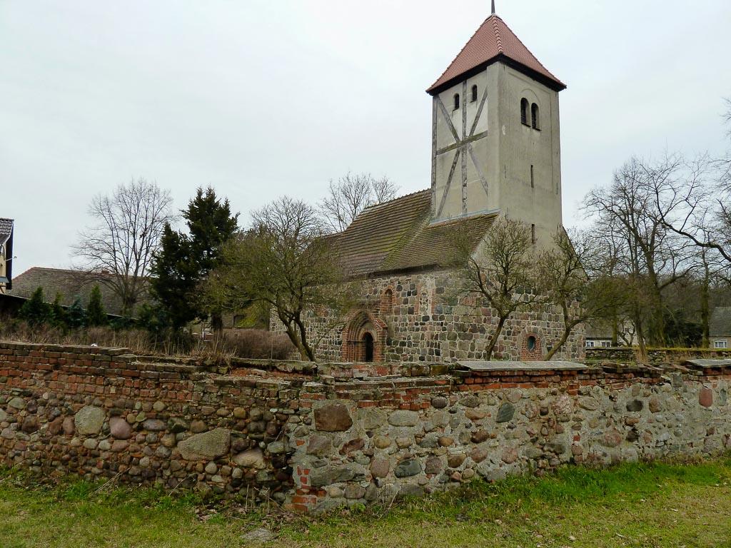 Dorfkirche Warchau. Ansicht von Nordwest.
