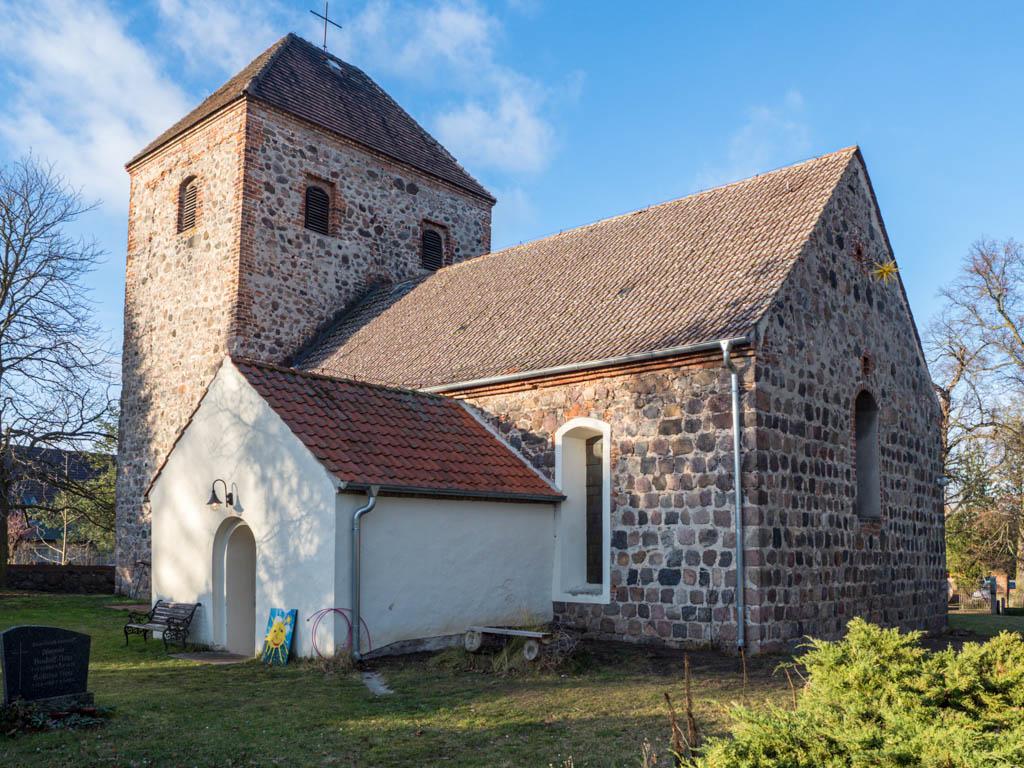 Dorfkirche Neuentempel Ansicht von Südost
