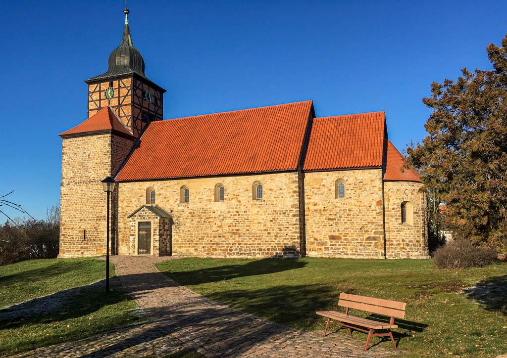 Kirche Pretzien. Vierteilige Anlage, Aufnahme von Süden.