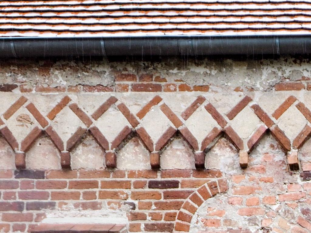 Rautenfries, Kirche Plaue.