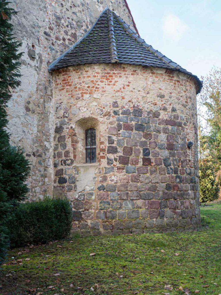 Dorfkirche Tempelberg Apsis mit Fenstern aus der Erbauungszeit
