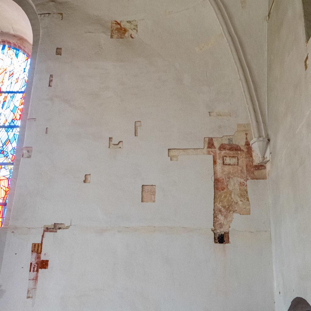 Bei Restaurierungsarbeiten freigelegte Wandmalereien, Stand 2014.