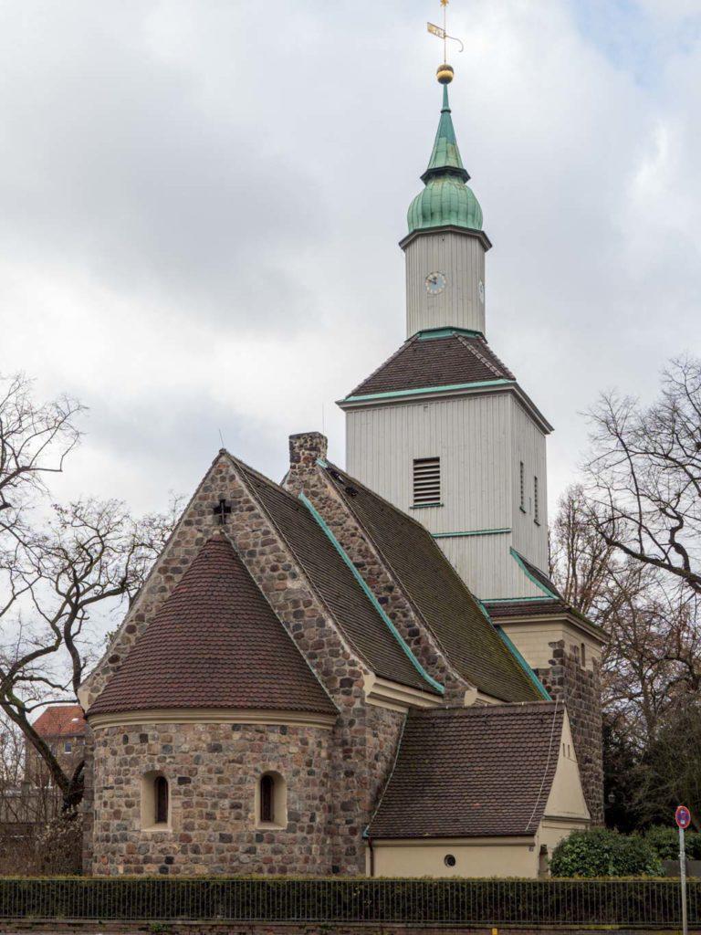 Dorfkirche Mariendorf Ansicht von Nordost mit Sakristeianbau