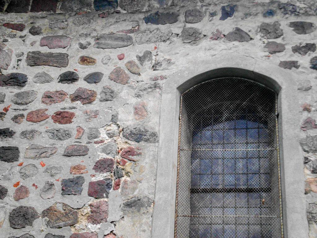 Dorfkirche Reetz Romanische Relikte in der Nordwand des Schiffes