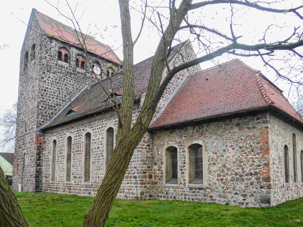 Dorfkirche Reetz Staffelung von Südost