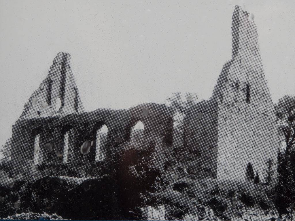 Ruine der Dorfkirche Tempelhof, Aufgenommen nach 1945 von Nordwest.