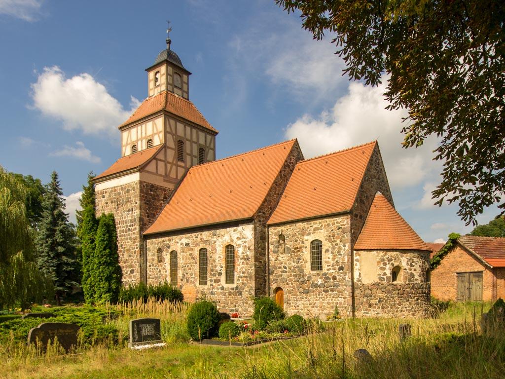 Dorfkirche Wildenbruch. Vierteilige Anlage.
