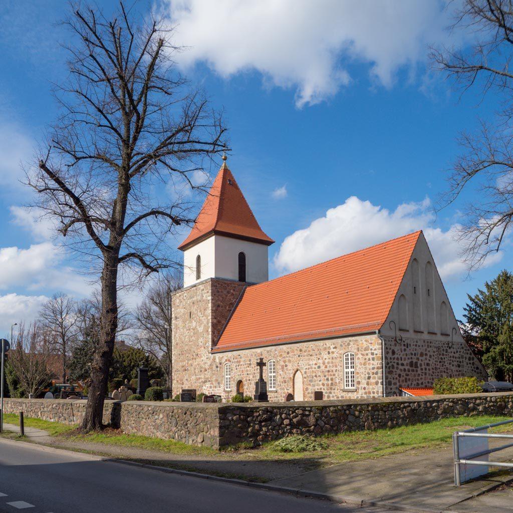 Dorfkirche Blankenburg Anlage von Südost