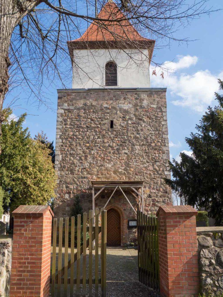Dorfkirche Blankenburg Westriegel mir aufgesetztem Turm