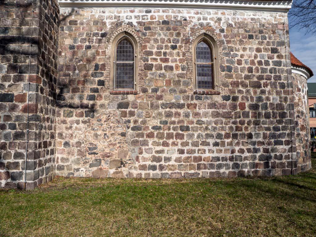 Dorfkirche Herzfelde Südfassade des Chors mit zugesetzter Priesterpforte