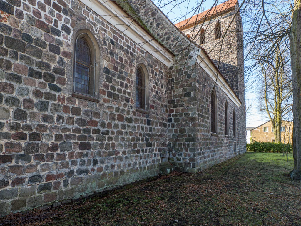 Dorfkirche Herzfelde Chor, Schiff und Turm Nordseite