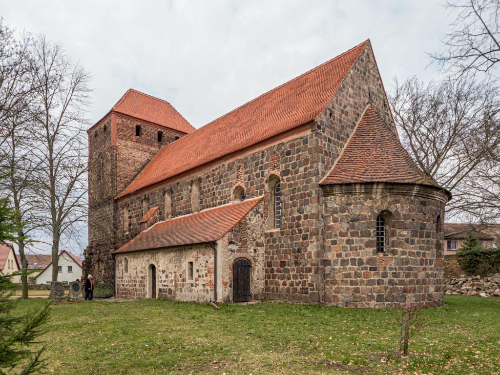 Dorfkirche Massen, Ansicht von Südost.