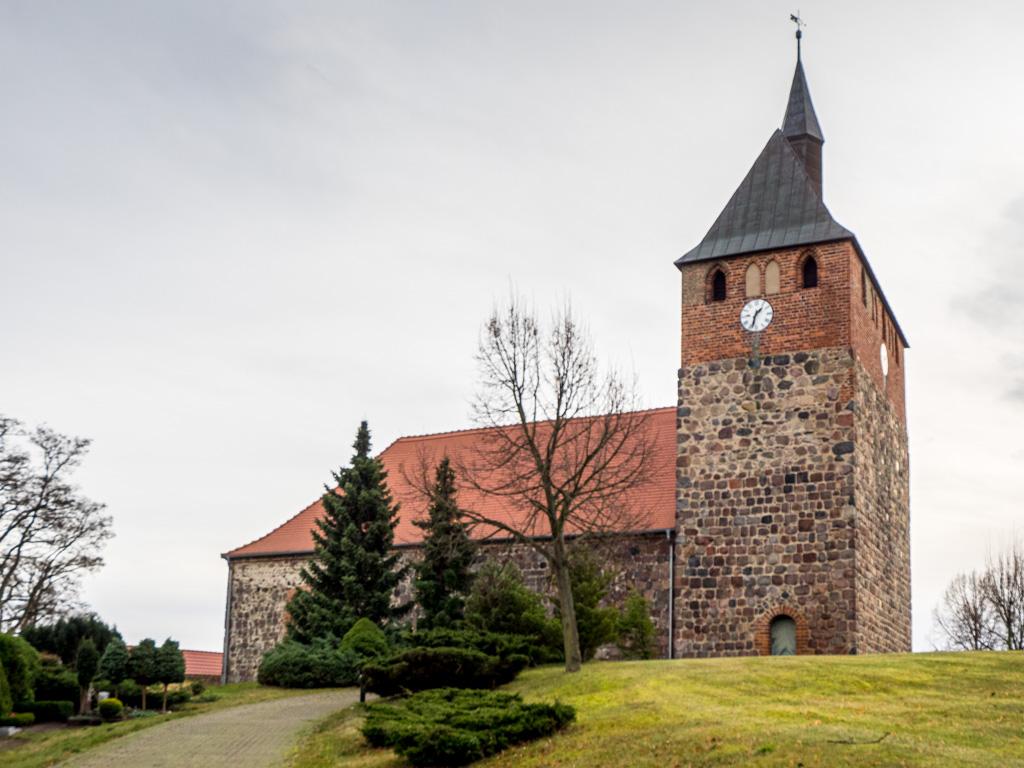 Dorfkirche Linthe. Ansicht von Norden.