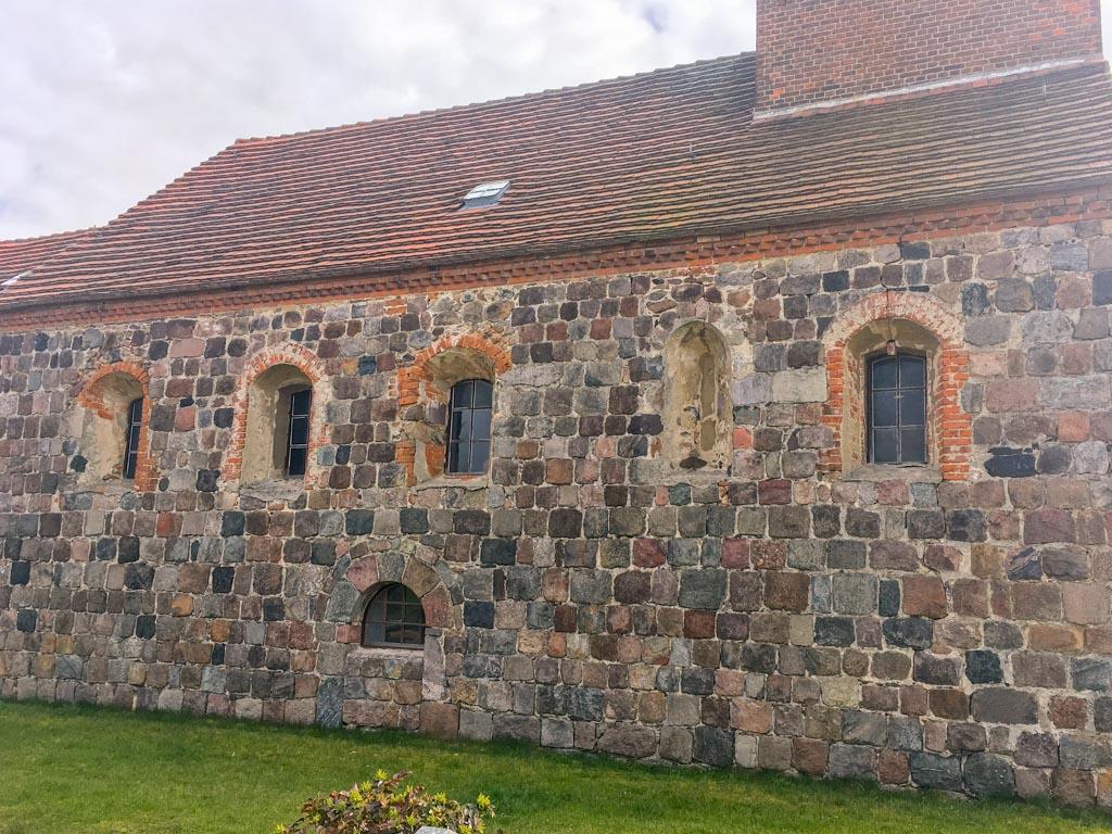 Dorfkirche Niederwerbig. Nordseite des Schiffs.