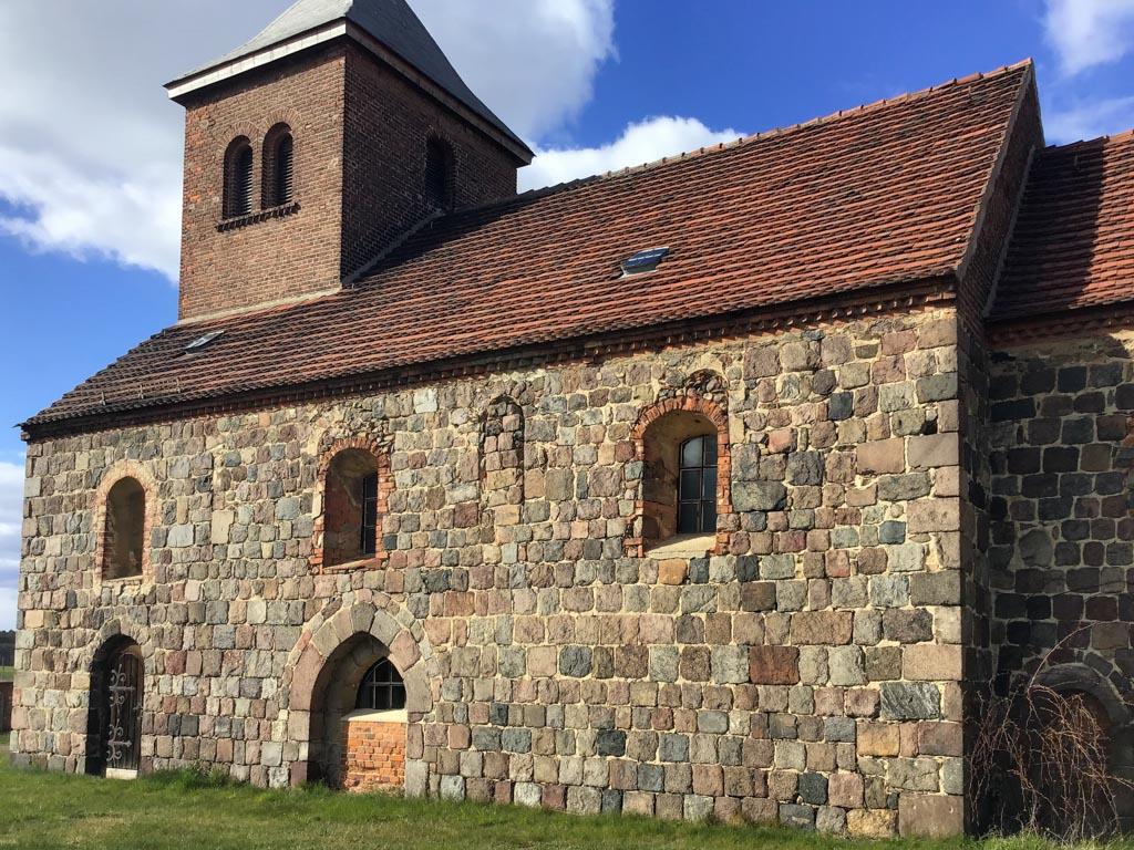 Dorfkirche Niederwerbig. Südseite des Schiffs.