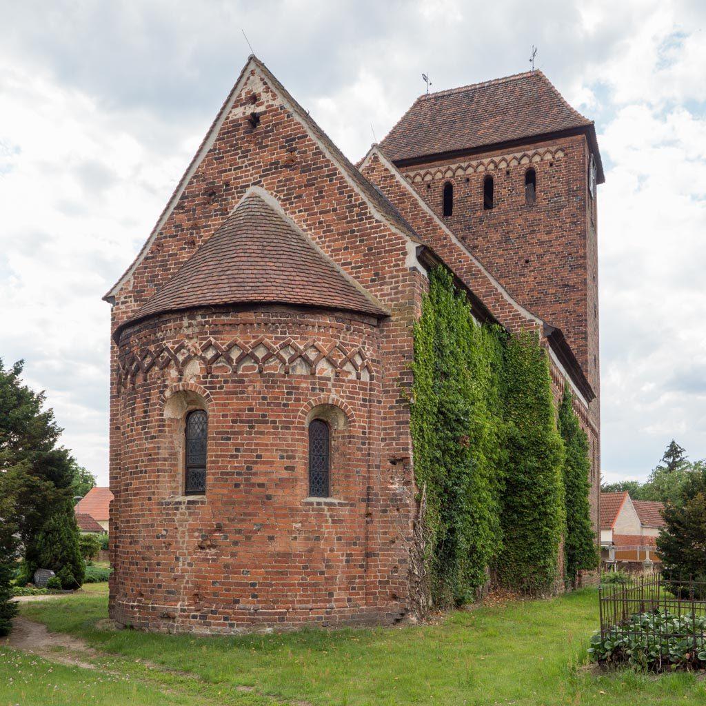 Dorfkirche Melkow, Ansicht von Nordost.